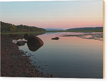 Peaceful Morning On The Hudson Wood Print