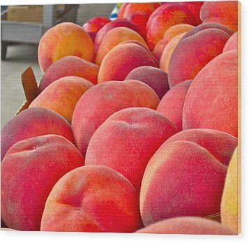 Peaches For Sale Wood Print by Gwyn Newcombe