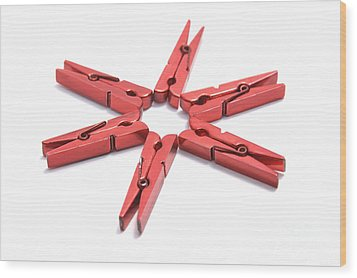 Peg Star 2 Wood Print by Andy Smy