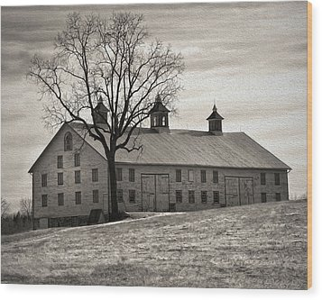 Wood Print featuring the digital art Pennsylvania Barn by Robert Geary