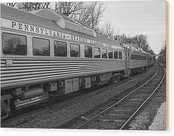 Wood Print featuring the photograph Pennsylvania Reading Seashore Lines Train by Terry DeLuco
