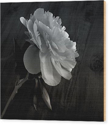 Wood Print featuring the photograph Peonie by Sharon Jones