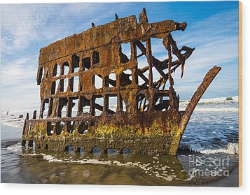 Peter Iredale Shipwreck - Oregon Coast Wood Print by Gary Whitton