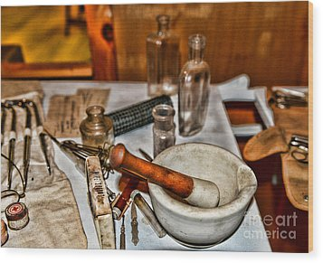 Pharmacist - Mortar And Pestle Wood Print by Paul Ward