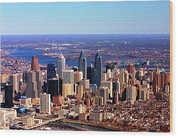 Wood Print featuring the photograph Philadelphia Skyline 2005 by Duncan Pearson