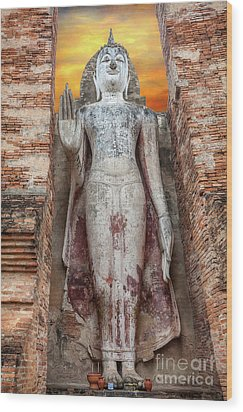 Wood Print featuring the photograph Phra Attharot Buddha by Adrian Evans