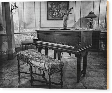 Wood Print featuring the photograph Piano At Josie's House Bw by Joan Carroll
