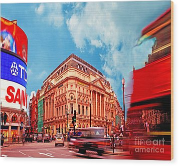 Piccadilly Circus London Wood Print by Chris Smith