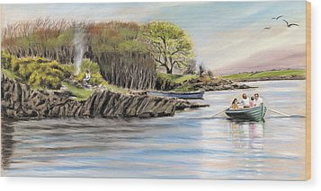 Picnic On The Lake Wood Print by Vanda Luddy