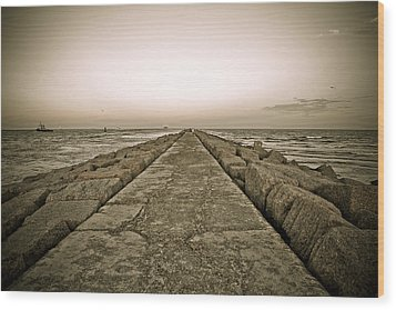 Pier At Sunset Wood Print by Marilyn Hunt