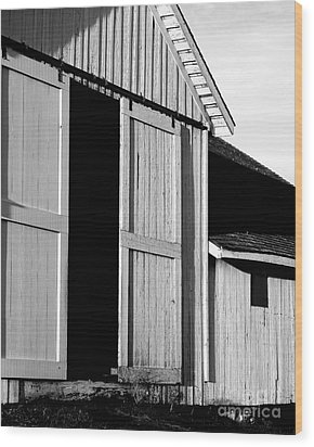 Pierce Point Ranch 16 . Bw Wood Print by Wingsdomain Art and Photography