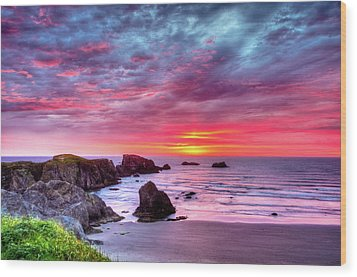 Pink Sunset Bandon Oregon Wood Print by Connie Cooper-Edwards