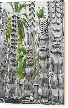 Place Of Refuge - Pu'uhonua O Honaunau National Park Hawaii Wood Print by Kerri Ligatich