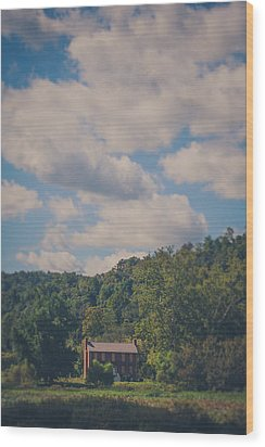 Wood Print featuring the photograph Plantation House by Shane Holsclaw
