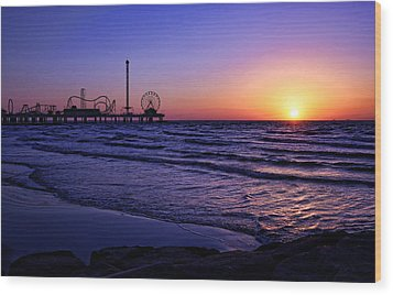 Pleasure Pier Sunrise Wood Print