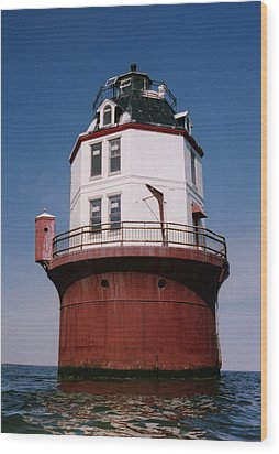 Point No Point Lighthouse Chesapeake Bay Maryland Wood Print by Wayne Higgs