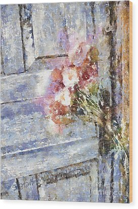 Poppies On Weathered Door Wood Print by Shirley Stalter