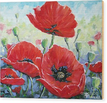 Poppy Love Floral Scene Wood Print by Richard T Pranke