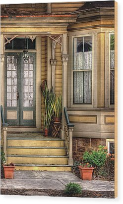 Porch - House 109 Wood Print by Mike Savad