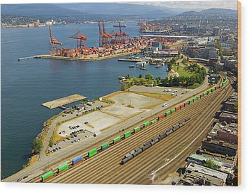 Port Of Vancouver Bc Wood Print by David Gn