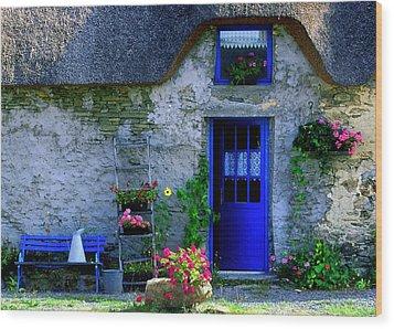 Porte Bleue Wood Print
