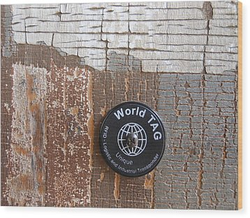 Portion Of A Fence  Wood Print by Linda Geiger