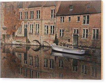 Postcard Canal II Wood Print by Joan Carroll