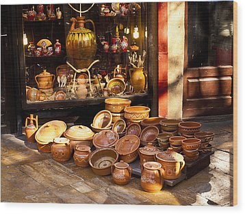 Pottery In The Bazaar Wood Print by Rae Tucker
