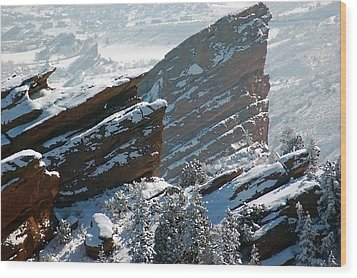 Powdered Red Rocks Wood Print by Kevin Munro
