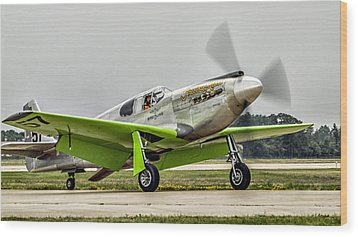 Precious Metal Final Flight Wood Print by Alan Toepfer