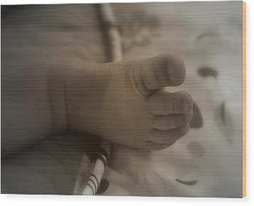 Wood Print featuring the photograph Precious Moments by Laura DAddona