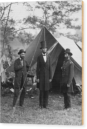 President Lincoln Meets With Generals After Victory At Antietam Wood Print by International  Images