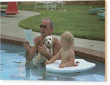 President Lyndon Johnson Celebrates Wood Print by Everett