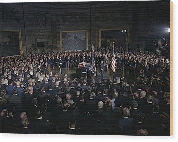 President Lyndon Johnson Lying In State Wood Print by Everett