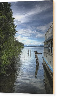 Priest Lake Houseboat 7001 Wood Print by Jerry Sodorff