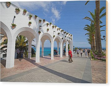 Promenade In Nerja Wood Print