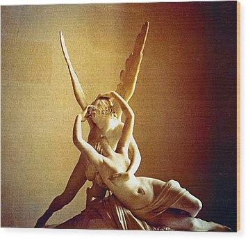 Psyche And Cupid Wood Print by Michael Durst