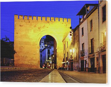 Wood Print featuring the photograph Puerta De Elvira by Fabrizio Troiani