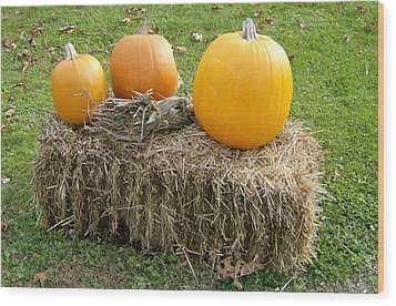 Pumpkins On A Haystack Wood Print