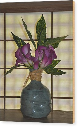 Purple Lilies In Japanese Vase Wood Print by Bill Cannon