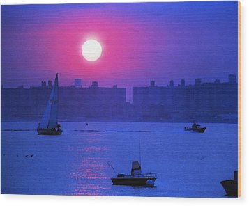 Purple Sunset Off Breezy Point Bayside Wood Print by Maureen E Ritter