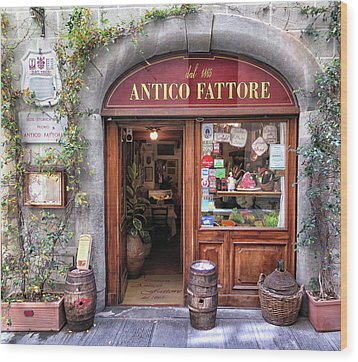Quaint Restaurant In Florence Wood Print