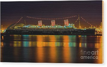 Queen Mary - Nightside Wood Print by Jim Carrell