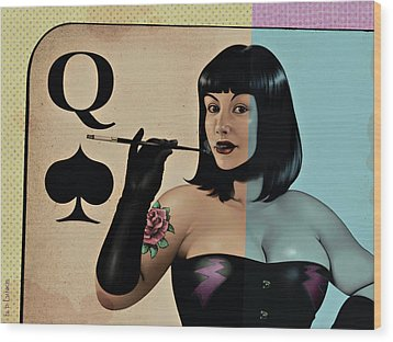 Queen Of Spades Wood Print by Udo Linke