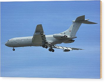 Wood Print featuring the photograph Raf Vickers Vc10 C1k by Tim Beach