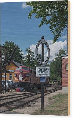 Railroad Crossing Wood Print by Suzanne Gaff