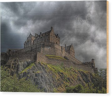 Rain Clouds Over Edinburgh Castle Wood Print by Amanda Finan