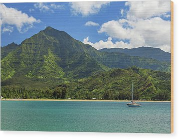 Ready To Sail In Hanalei Bay Wood Print