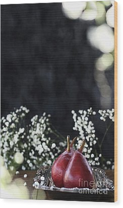 Wood Print featuring the photograph Red Anjou Pears by Stephanie Frey
