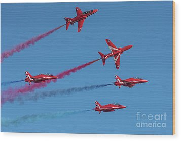 Wood Print featuring the photograph Red Arrows Enid Break by Gary Eason